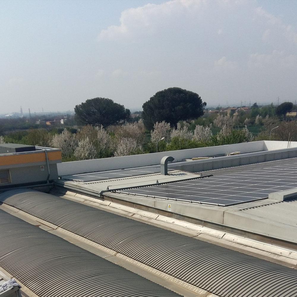 cantiere napoli copertura metallica e pannelli fotovoltaici sifracoperture